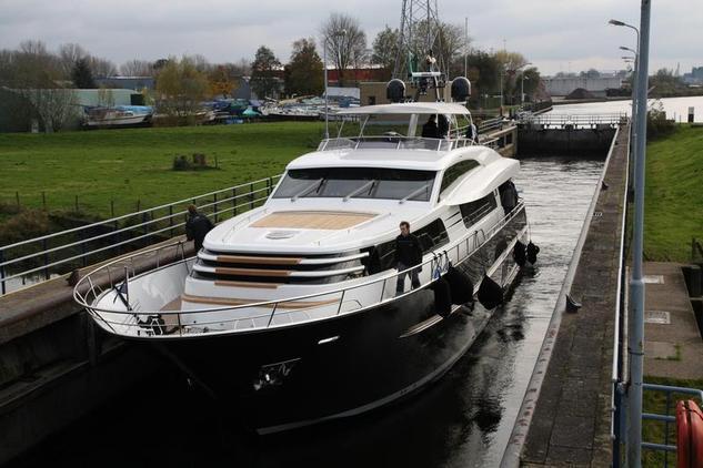 Van Der Valk - Dutch Falcon Yachts B.V. Continental 26M