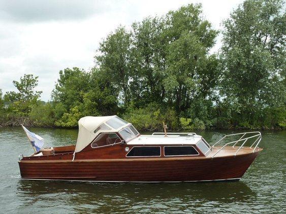 Motorboot mahonie - overnaads
